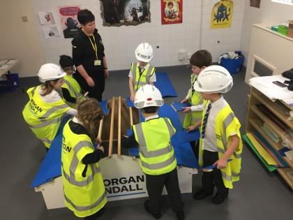 Pupils take on building challenge