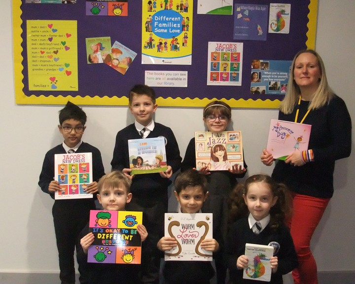 Primary pupils learn about different families